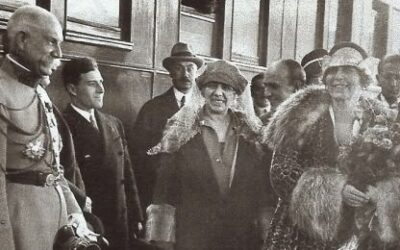 "Queen Marie, the first day in Paris: ""Everything and everyone is pressing me at the same time"""